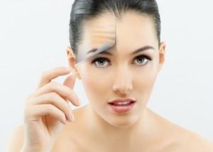 Consigues mejorar, revitalizar y rejuvenecer tu cara, enlenteciendo el efecto del paso del tiempo, pero no cambiarla.